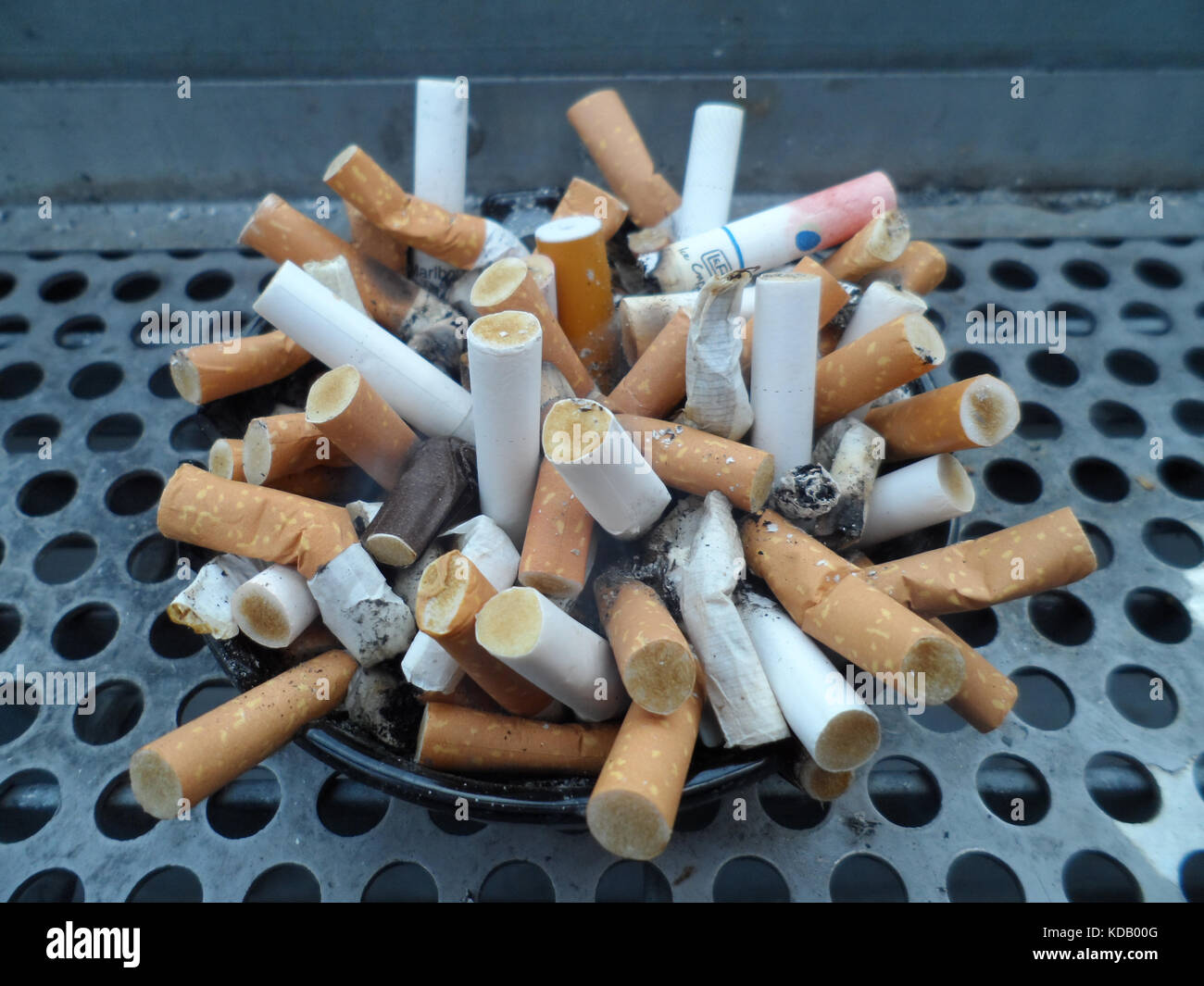 Are Marlboro cigarettes sold in Canada