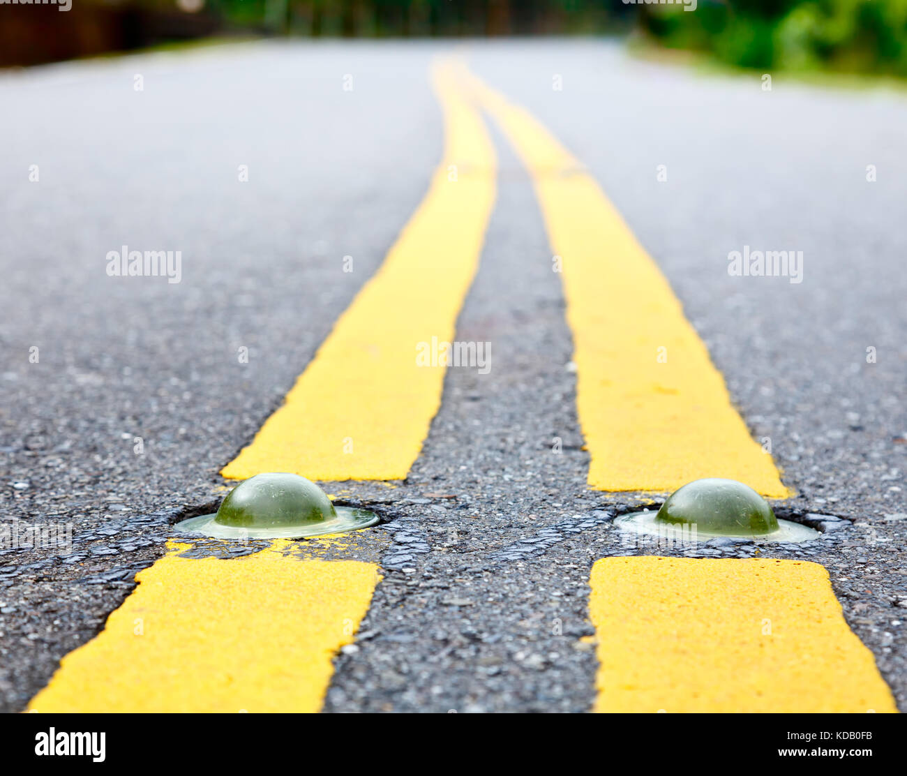 Cats Eye Road High Resolution Stock Photography And Images Alamy