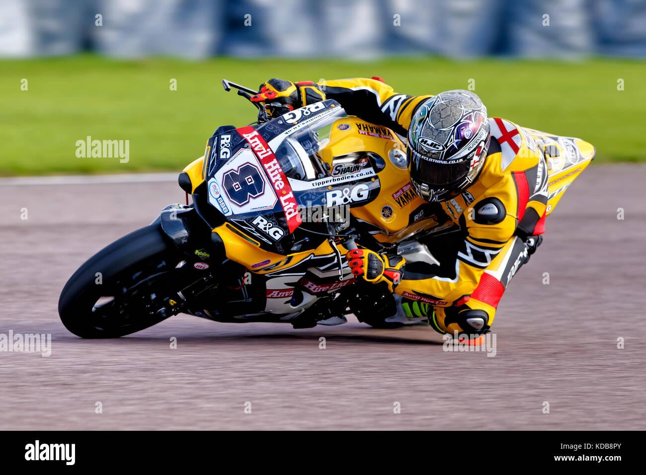 British Superbike Rider Shaun Winfield on the Anvil Hire TAG Racing Yamaha YZF-R1 at the MCE Insurance British Superbikes - Stock Image