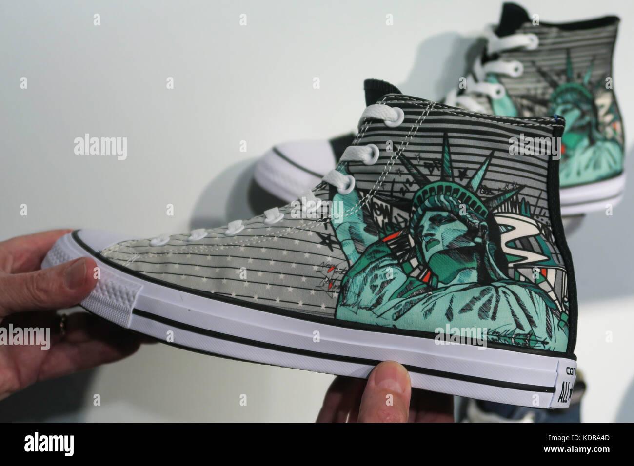 Converse store in Soho, New York City usa Stockfoto, Bild