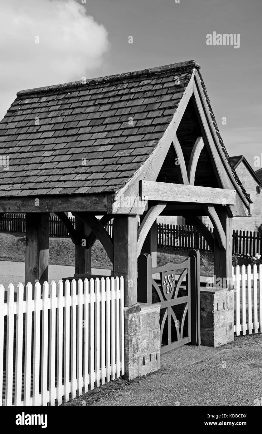 Wooden Lych-gate at Achfary, Sutherland, Scottish Highlands, erected by workers on the Reay Forest Estate in memory - Stock Image