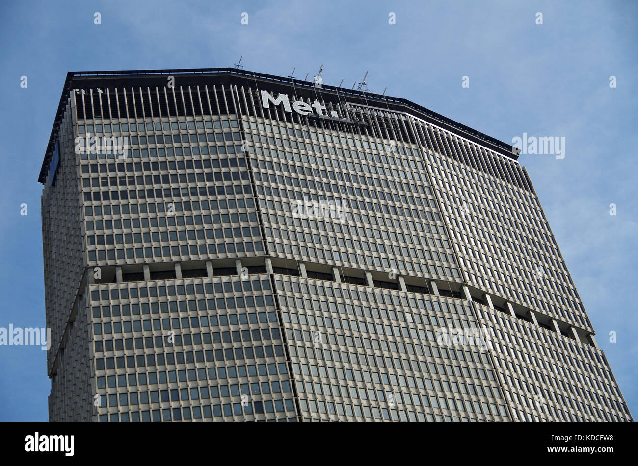 New York, NY, United States - September 26, 2017: MetLife sign being replaced at NYC headquarters. - Stock Image