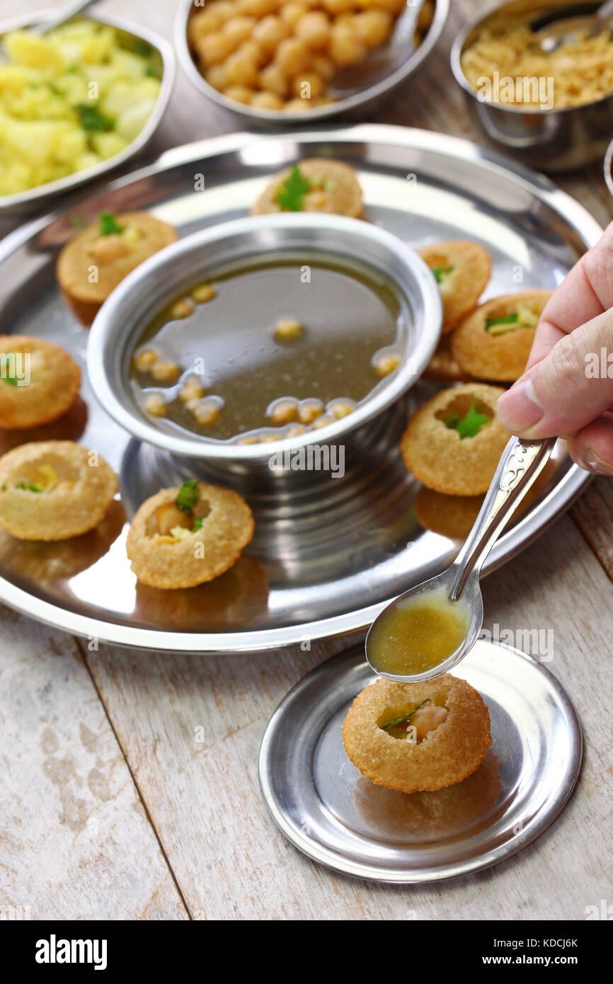 Pani Puri Stock Photos & Pani Puri Stock Images - Alamy