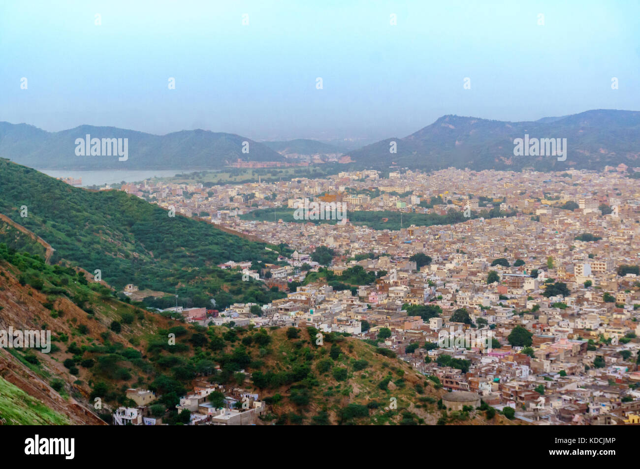 Cityscape of Jaipur city with the bordering aravali hills - Stock Image
