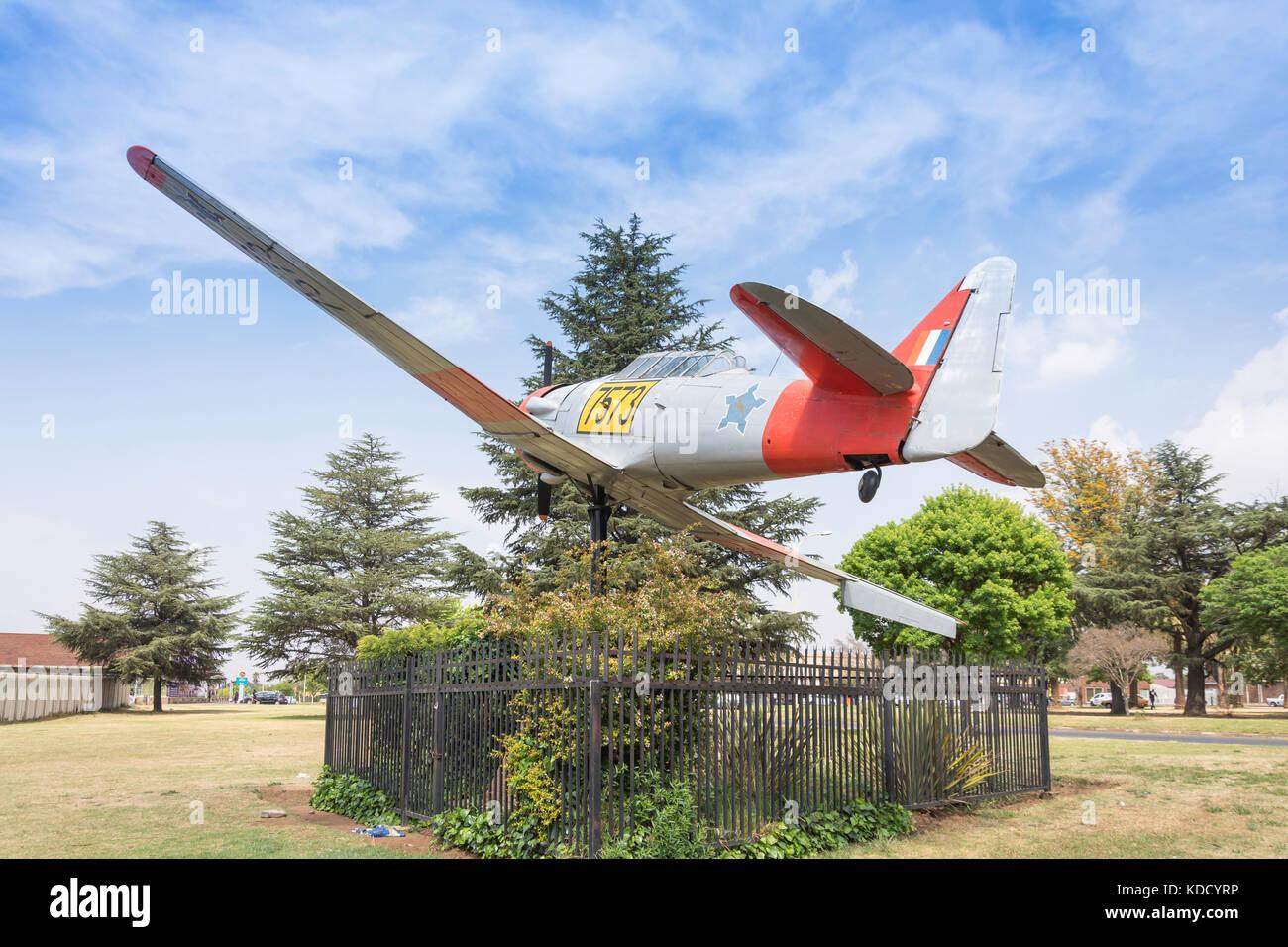 Harvard Aircraft Monument on green, Dunnottar, Nigel, Gauteng Province, Republic of South Africa - Stock Image