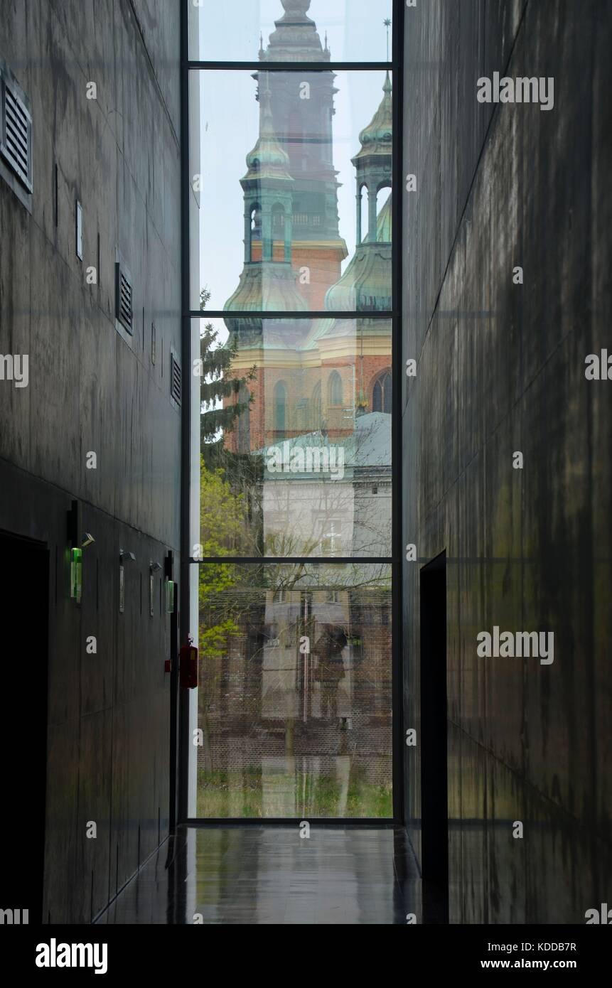 "Blick aus dem Museum ""Brama Poznania"" zur Kathedrale, Poznan, Polen Stock Photo"