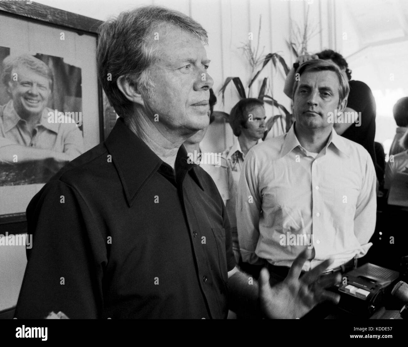 1976 Democratic presidential nominee Jimmy Carter and his running mate Walter 'Fritz' Mondale speak to the - Stock Image