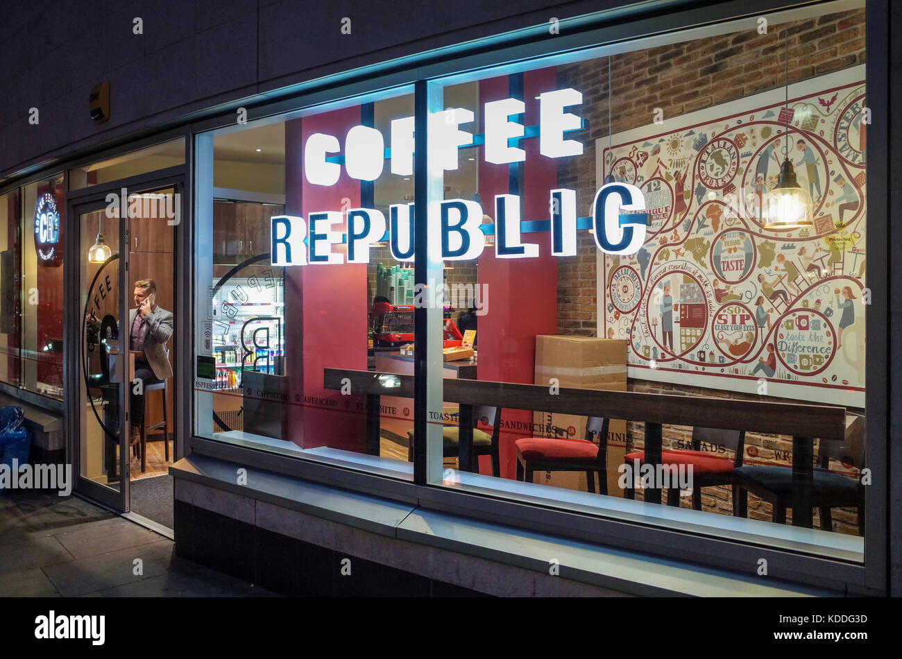 Coffee Republic Coffee Shop & Deli near Blackfriars Station in central London. Coffee Republic is a small chain - Stock Image