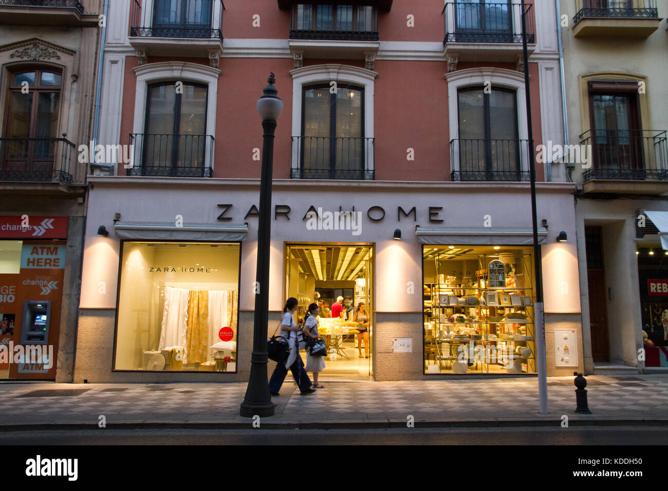 b36d4fd3 Zara Store Spain Stock Photos & Zara Store Spain Stock Images - Alamy