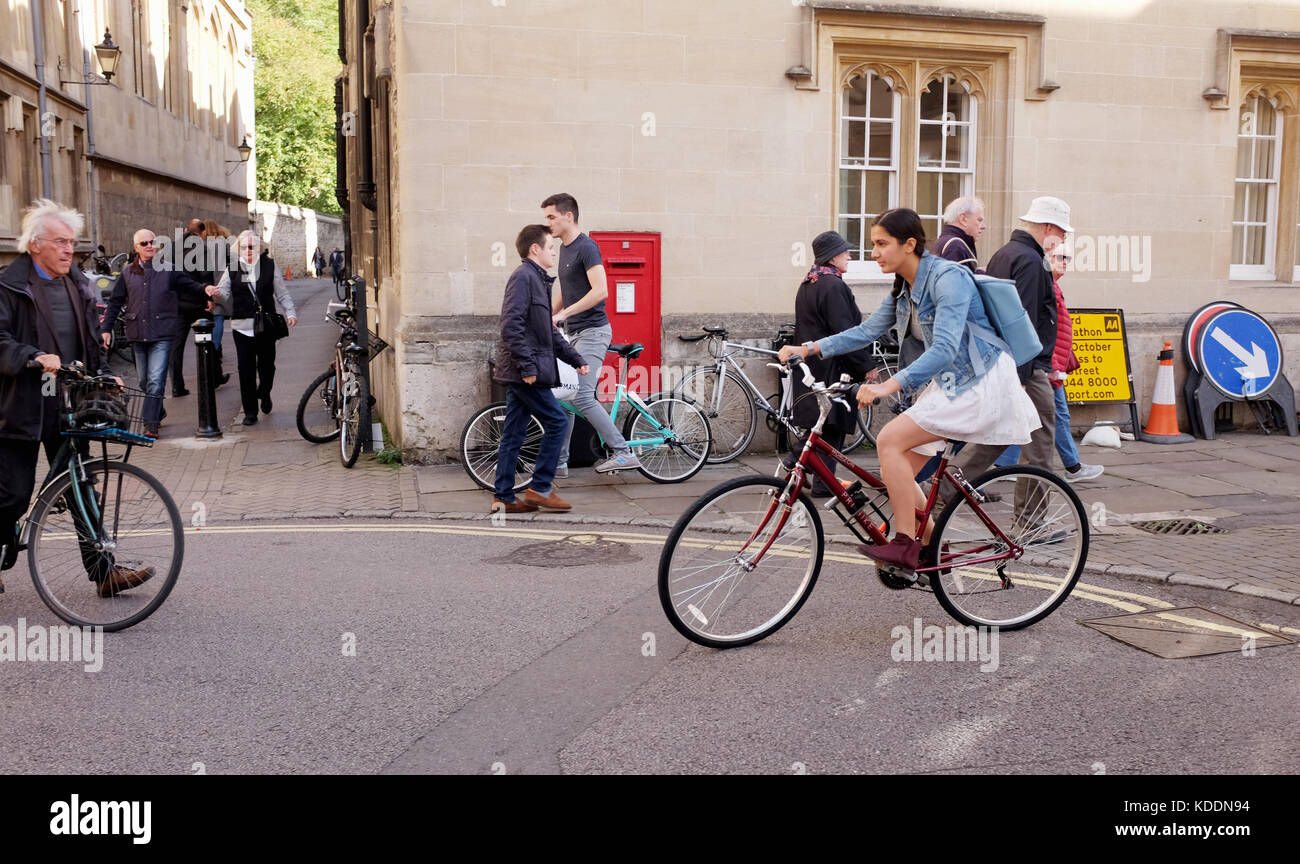 Oxford Oxfordshire UK - Cycling in Oxford city centre - Stock Image