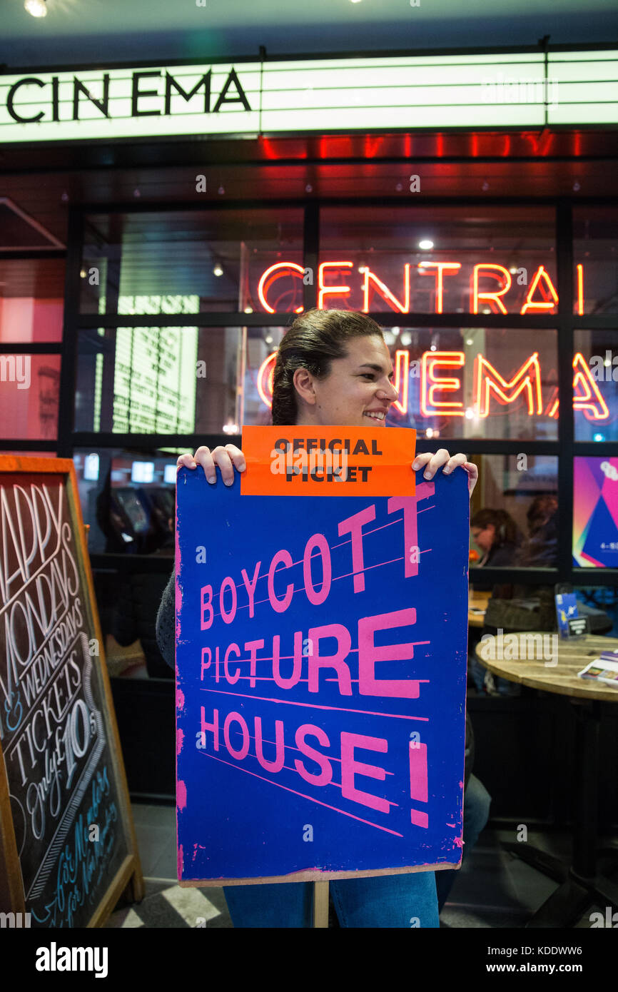 London, UK. 12th October, 2017. Striking Picturehouse cinema workers stand on the picket line outside Picturehouse - Stock Image