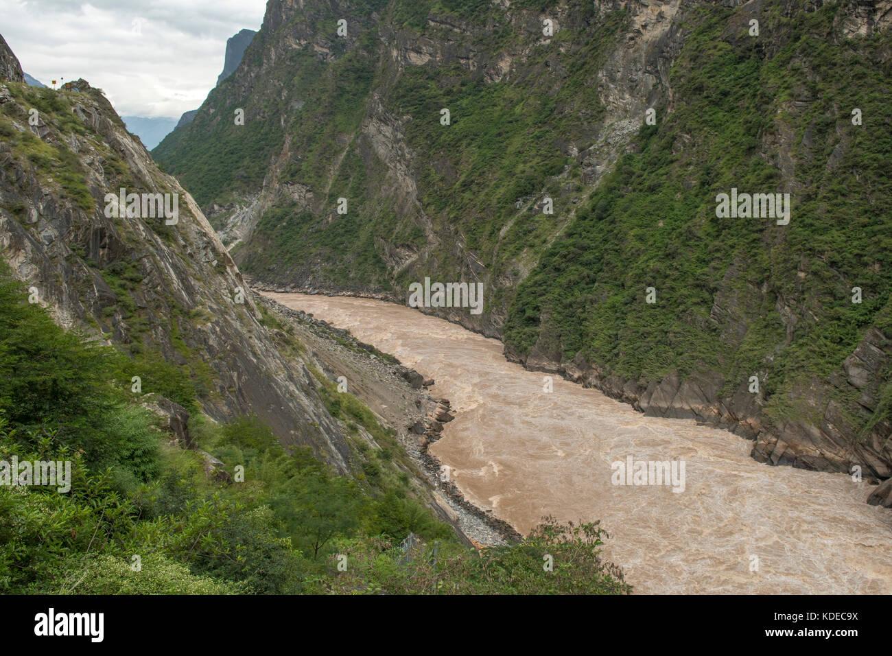 Jinsha River, Tiger Leaping Gorge, Yunnan, China - Stock Image