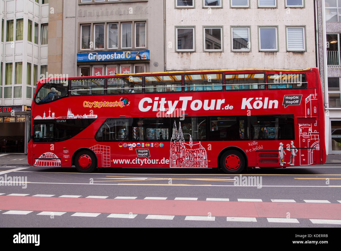 Europe, Germany, Cologne, tourists making a sight-seeing tour in a double-decker bus.  Europa, Deutschland, Koeln, - Stock Image