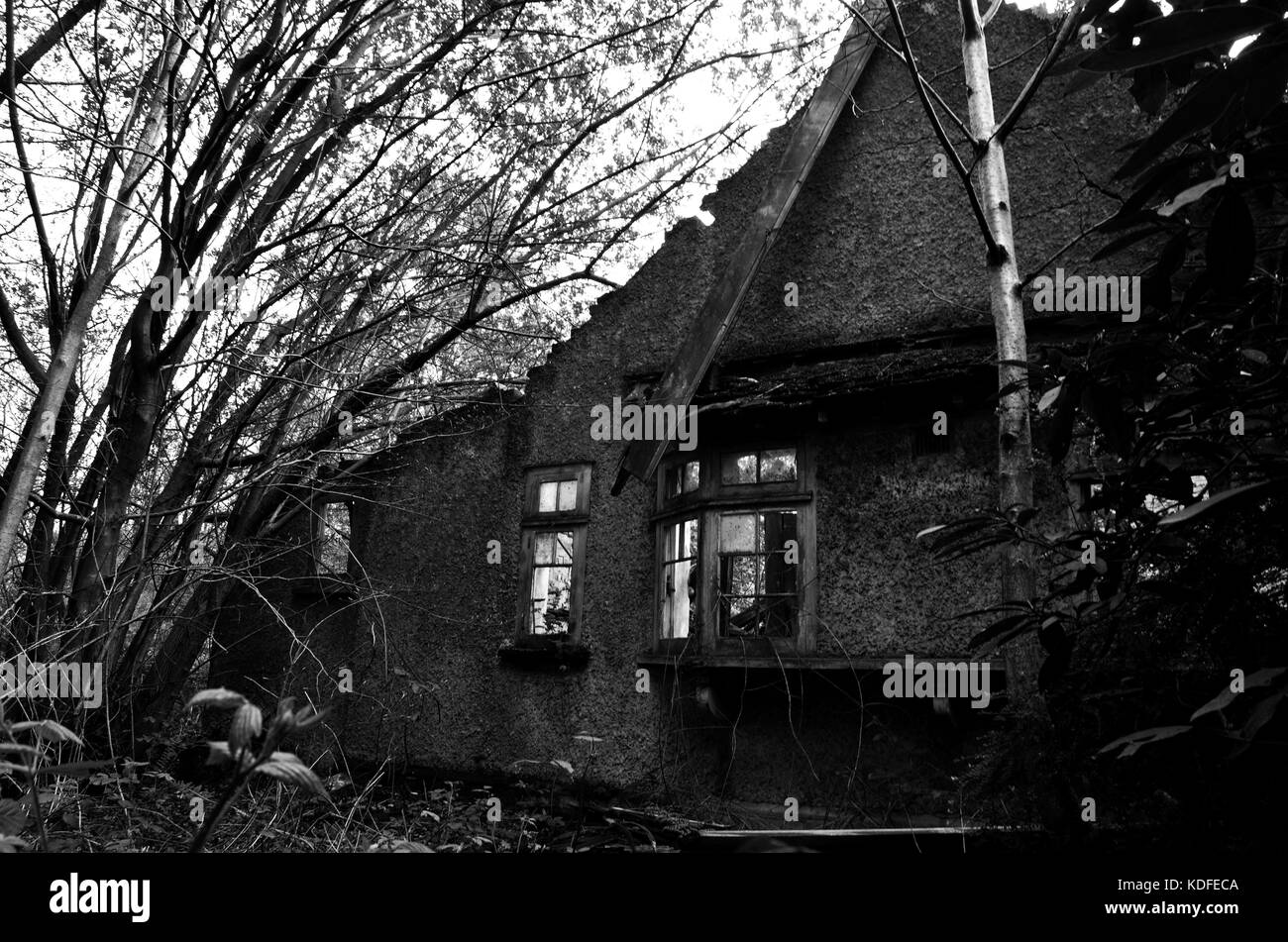 abandoned house in kent - Stock Image