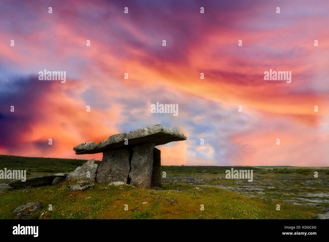 Poulnabrone ruins burial site. The Burren, County Clare, Ireland - Stock Image
