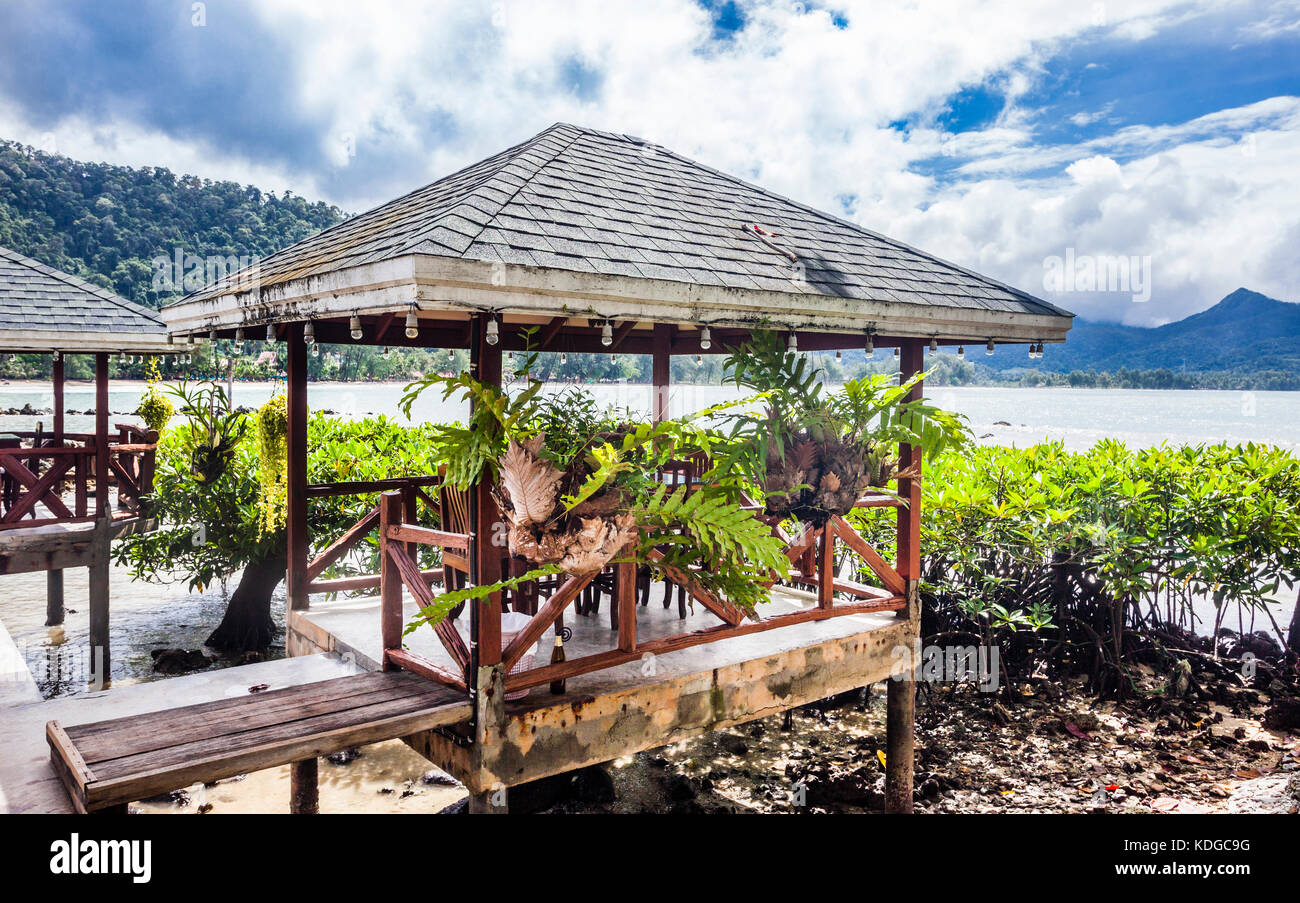 Thailand, Trat Province, Koh Chang Island in the Gulf of Thailand, idyllic beach pavillon at Chai Chet Resort - Stock Image