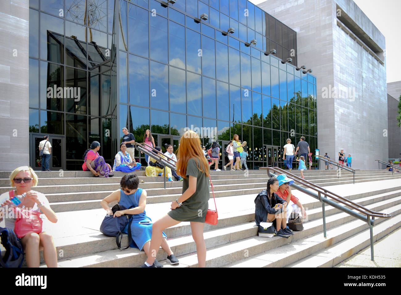 national air and space museum entrance Education exhibitions Washington DC people architecture modern Smithsonian - Stock Image