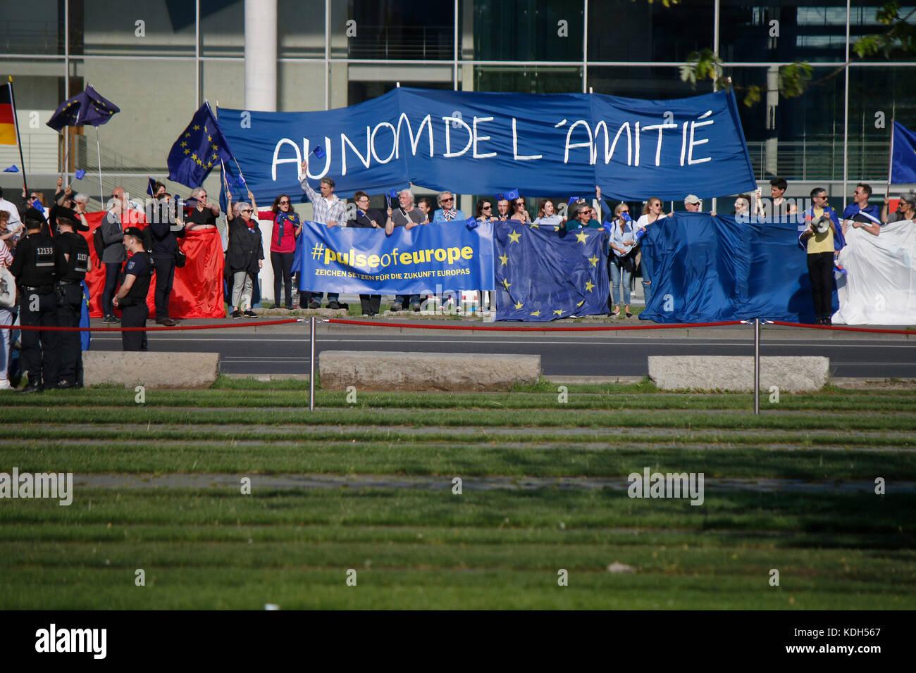 'Au nom de l'amitie' (Im Namen der Freundschaft) - Impressionen - Treffen der dt. Bundeskanzlerin mit - Stock Image
