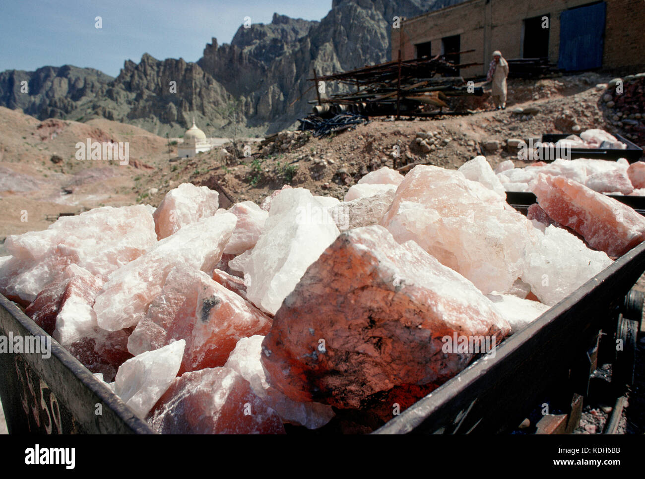Lumps of rock salt as they come out of the salt mines, near Kalabach, Pakistan. - Stock Image