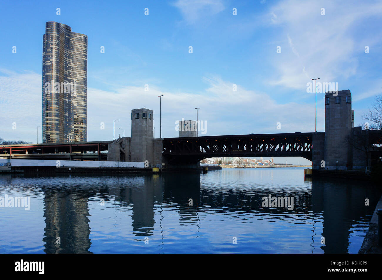 Afternoon scene of Lake Point Tower Condominium and bridge at Chicago, Illinois, United States - Stock Image