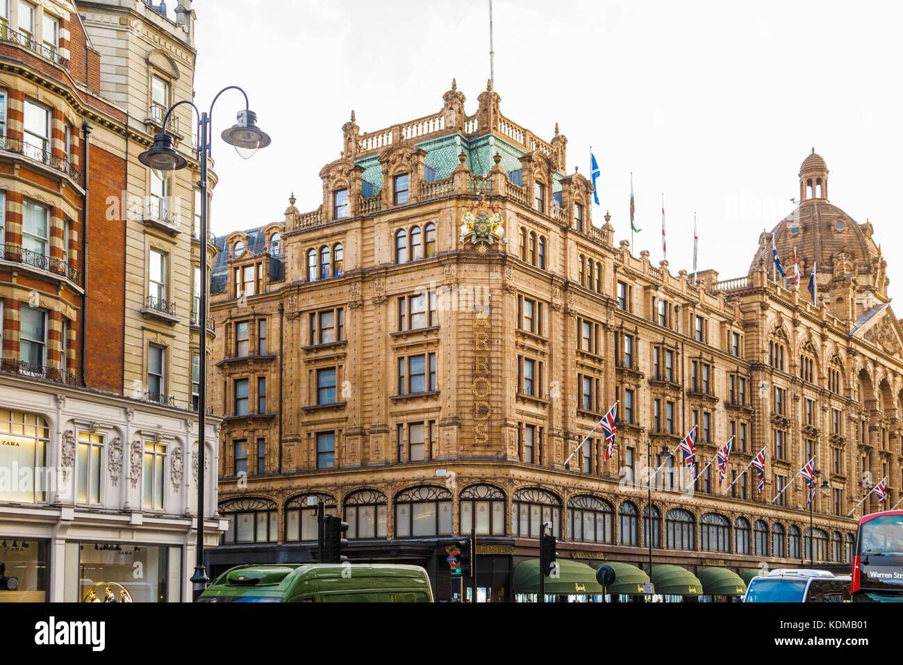 Exterior of Harrods, the luxury department store on Brompton Road in Knightsbridge, Royal Borough of Kensington Stock Photo