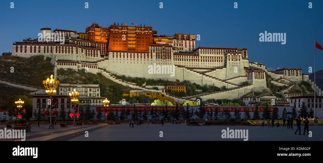 Potala Palace at Night Panorama, Lhasa, Tibet, China - Stock Image
