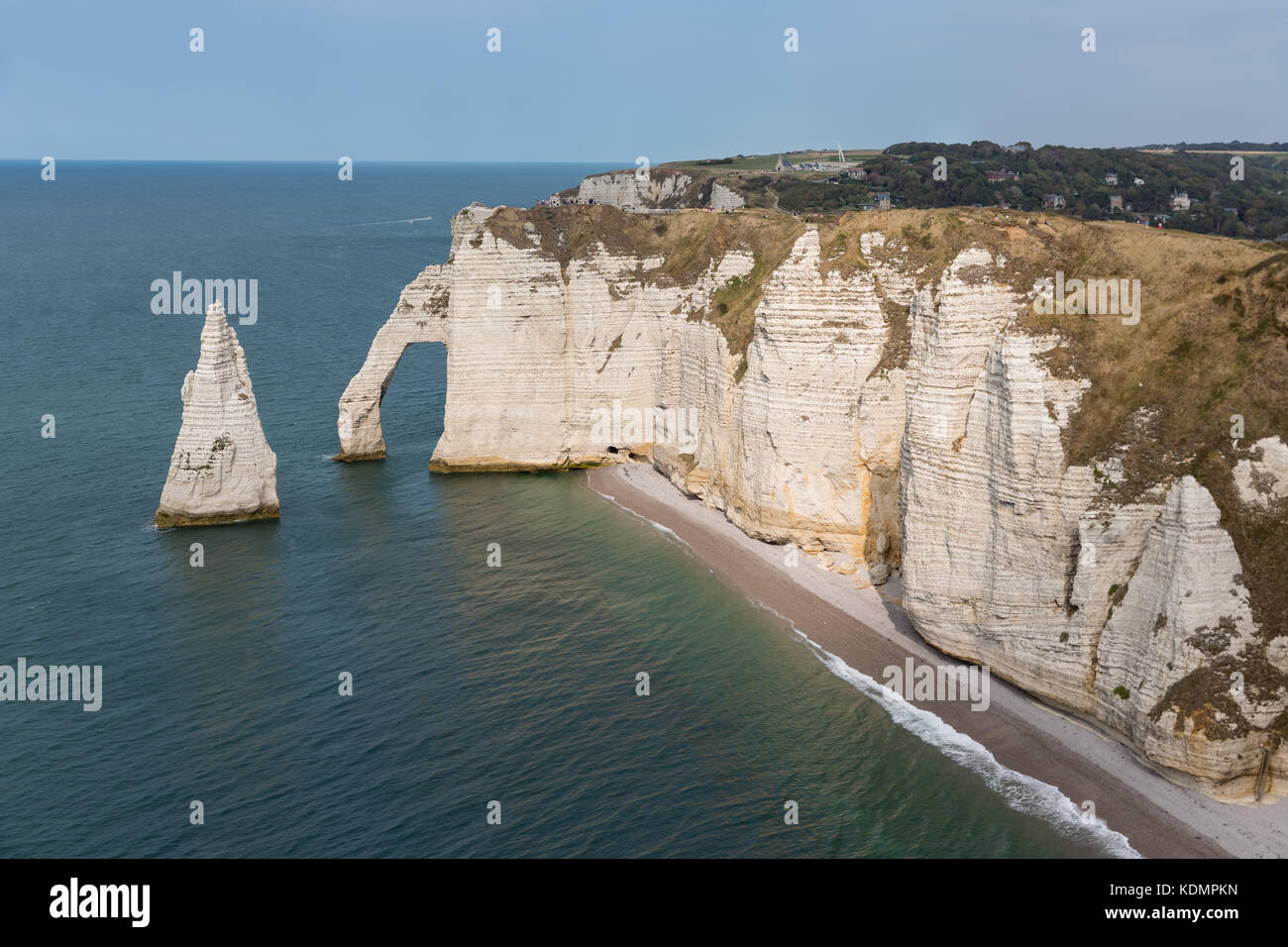 Elephant cliffs with people near Etretat in Normandie, France - Stock Image