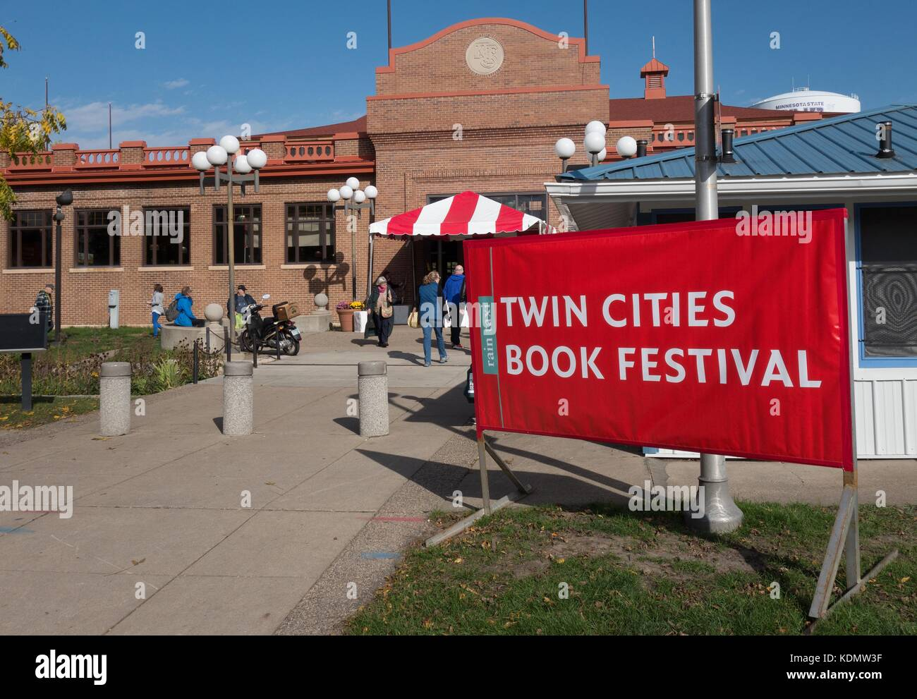 People walking into the Twin Cities Book Festival, in St. Paul, MN, USA. - Stock Image