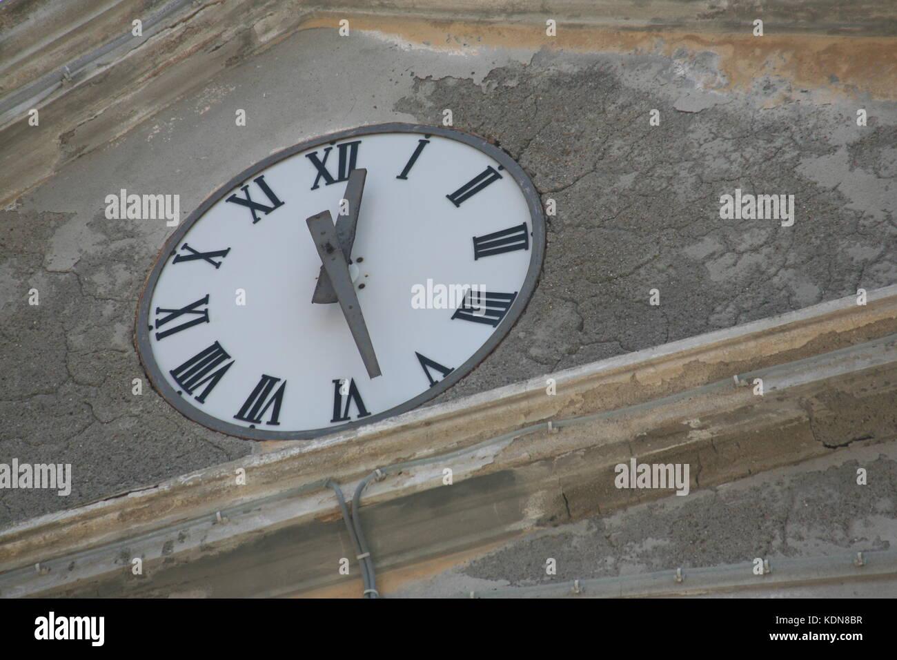 Uhr mit römischen Zahlen -  Clock with Roman Numbers - Stock Image