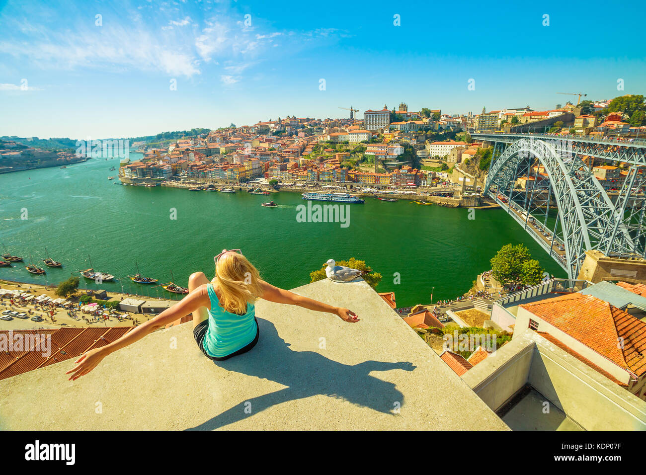Freedom woman at Douro River - Stock Image