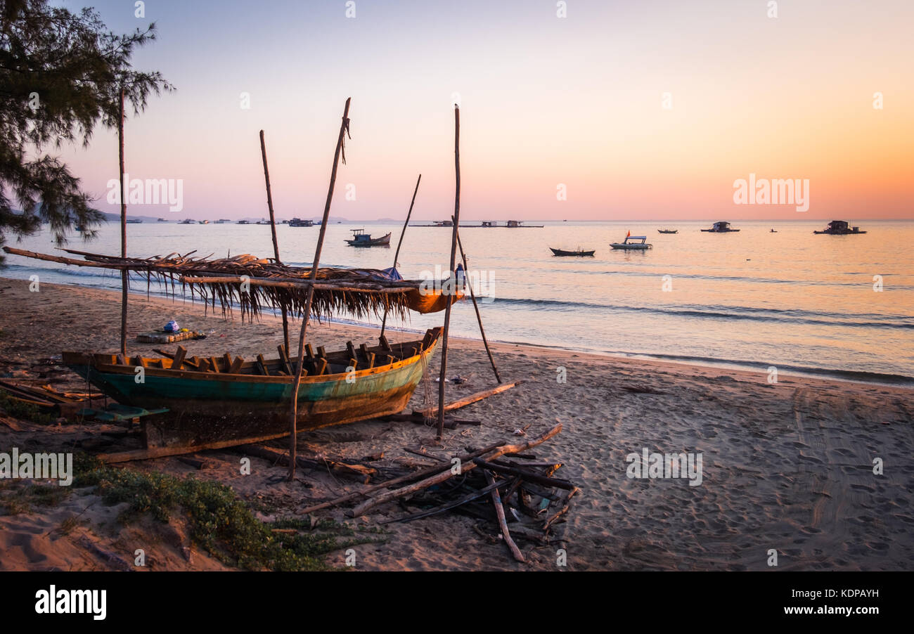A sunset scene at a beach in Phu Quoc, Vietnam - Stock Image
