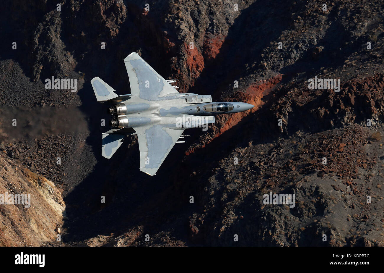 F-15 with the 144th fighter wing Air National Guard from Fresno, California, fly through Jedi transition in Death - Stock Image
