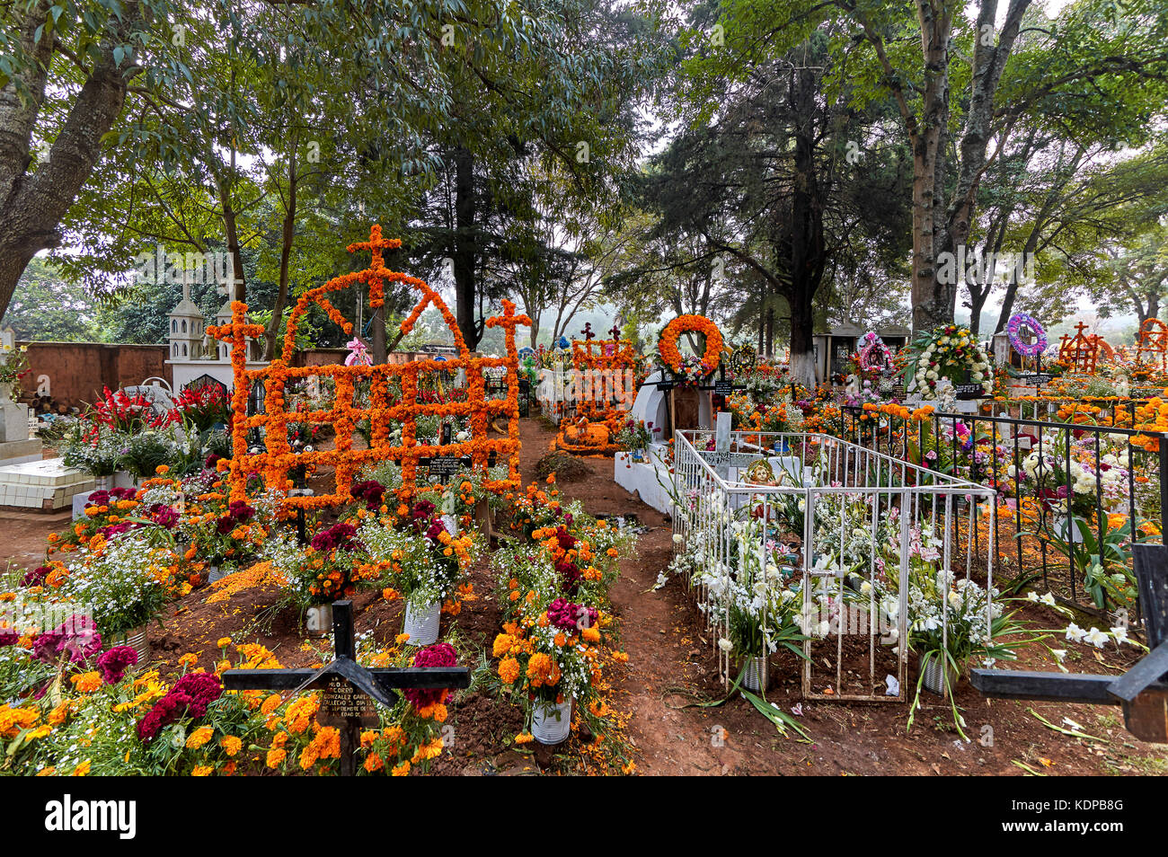 The graveyard of Tzintzuntzan on the Day of the Dead in Michoacán, Mexico - Stock Image