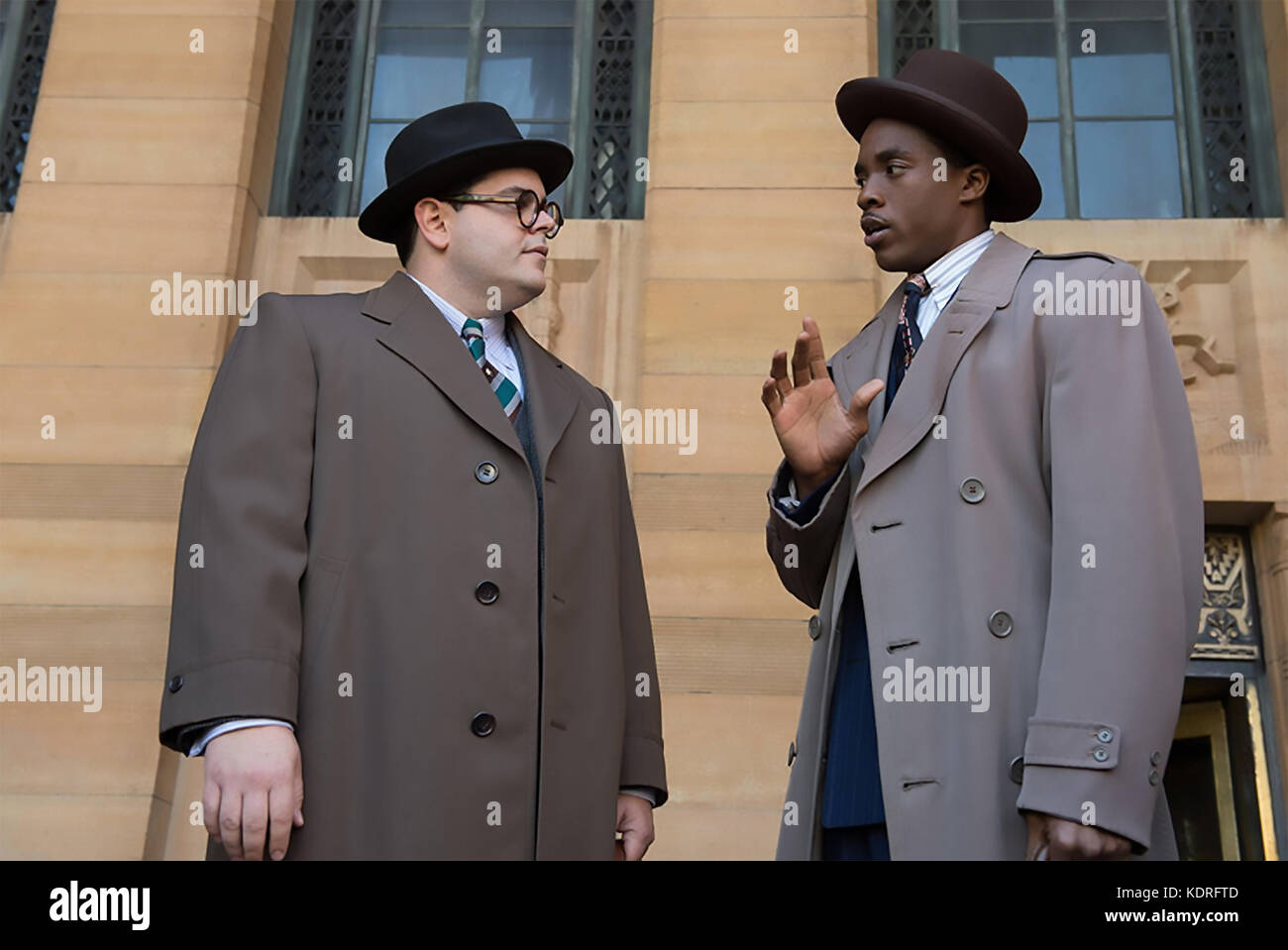 MARSHALL 2017 Chestnut Ridge Productions film with Josh Gad at left and Chadwick Boseman - Stock Image