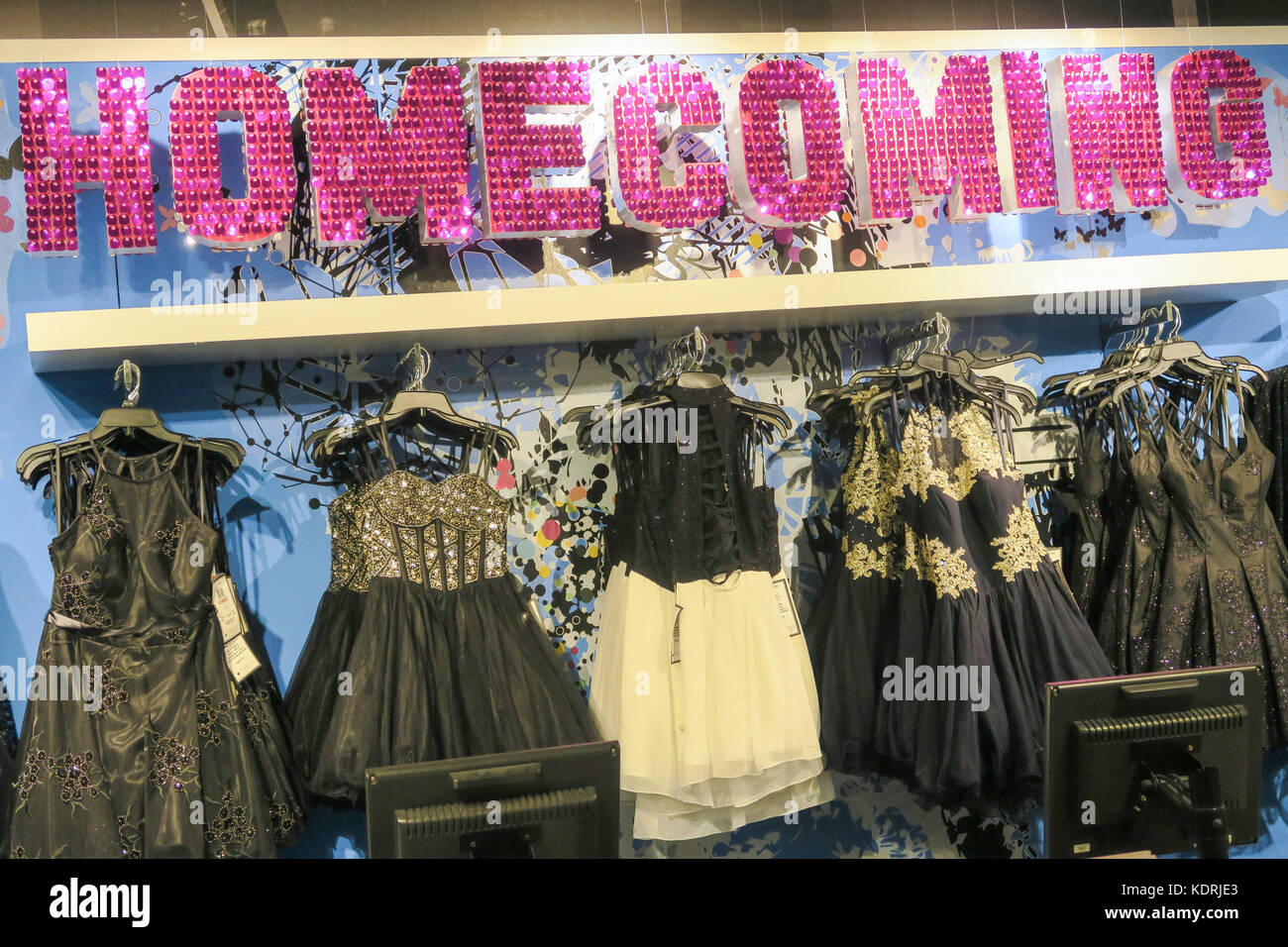 Prom Dresses Shop Stock Photos & Prom Dresses Shop Stock Images - Alamy