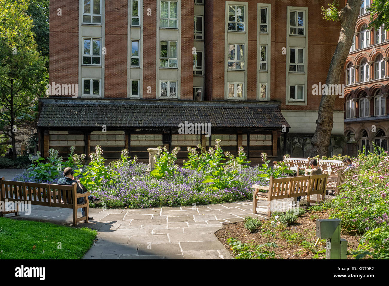 POSTMAN'S PARK, LONDON:  View of the Park showing the seating area and the Watts Memorial to Heroic Self-Sacrifice Stock Photo