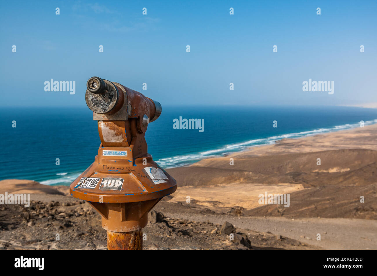 A telescope at viewpoint to Cofete, Jandia Peninsula, Fuerteventura, Canary Islands, Spain - Stock Image