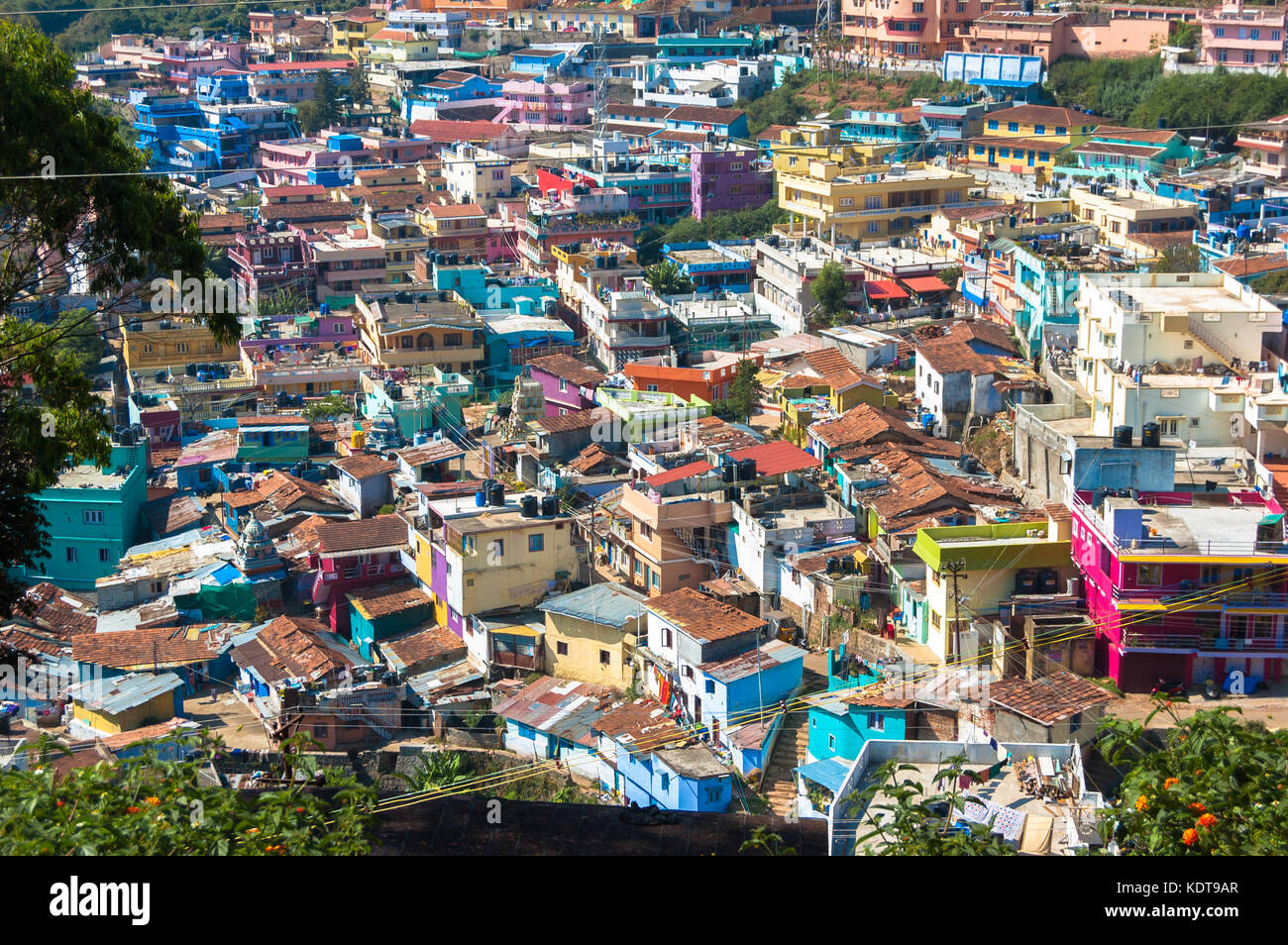 Cheap Roof Stock Photos & Cheap Roof Stock Images - Alamy