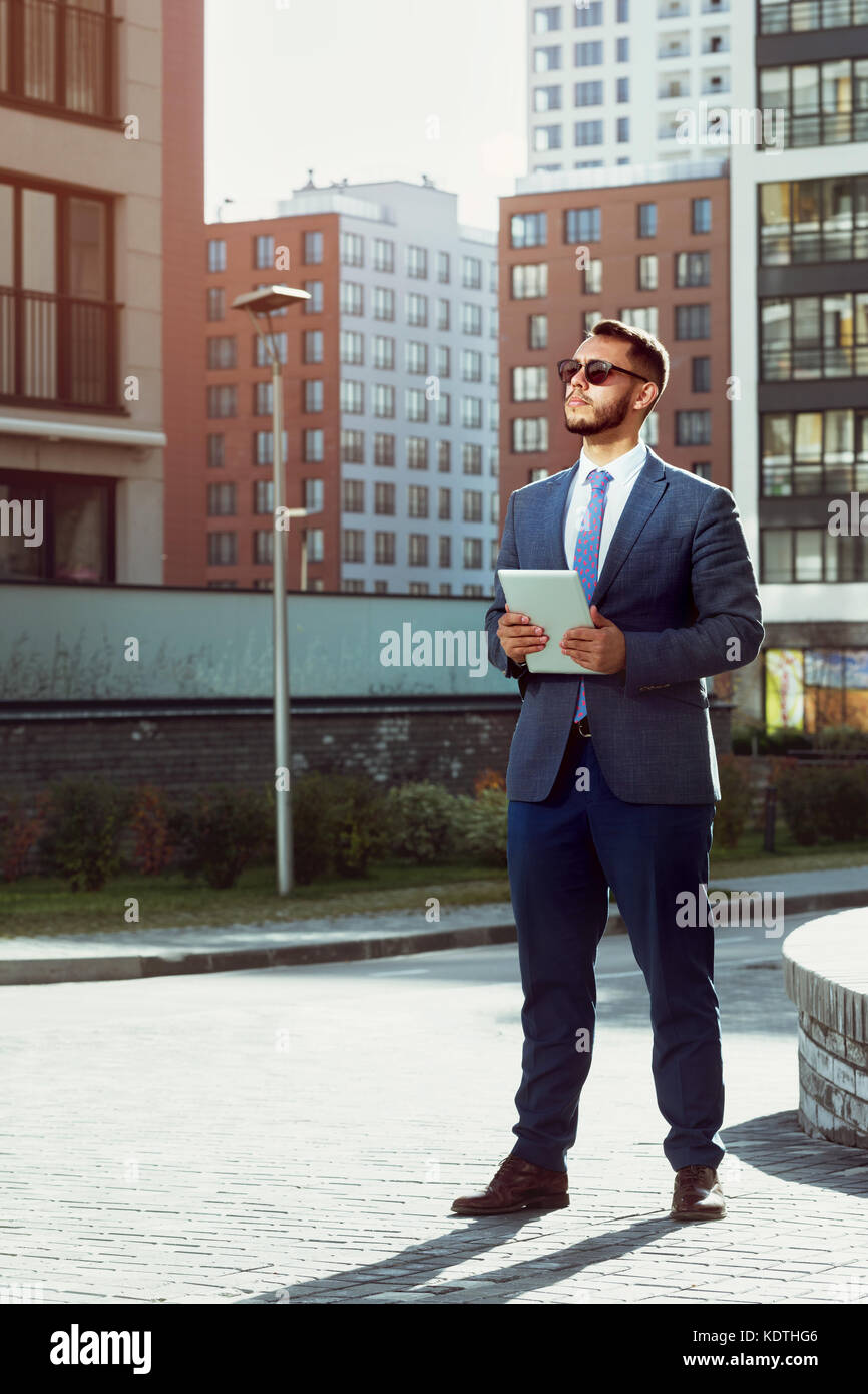 Real estate agent businessman modern city - Stock Image