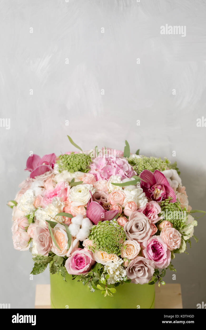 Luxury bouquets of mix flowers in the hat box stock photo 163424477 luxury bouquets of mix flowers in the hat box stock photo 163424477 alamy izmirmasajfo Choice Image