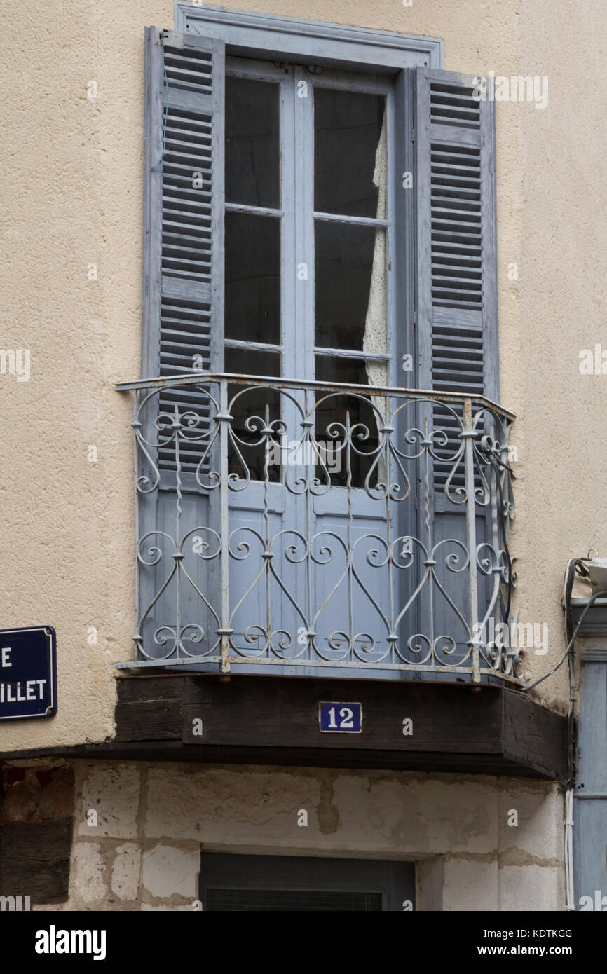 French window, shabby chic, Souillac, France - Stock Image