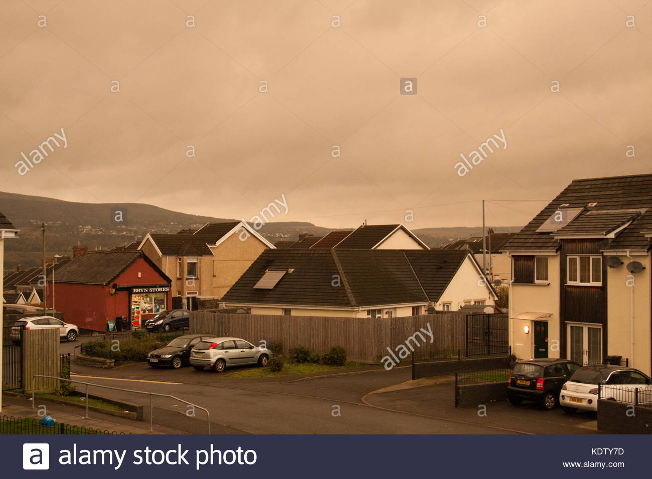 Merthyr Tydfil, South Wales, UK. 16 October 2017. UK weather: Dark storm clouds affect the region just after 10am - Stock Image