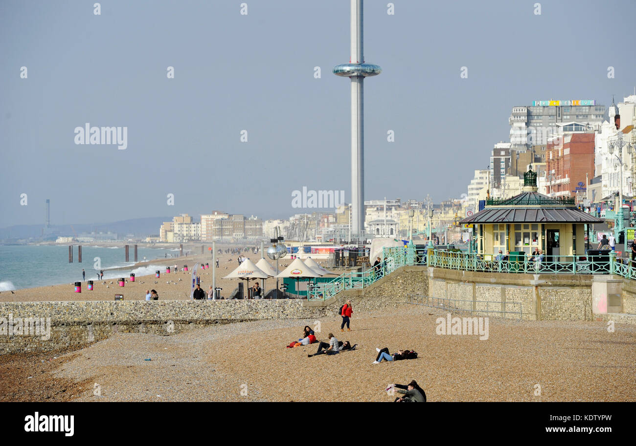 Brighton, UK. 16th Oct, 2017. UK Weather. An unusually warm and sunny Autumn day on Brighton seafront with temperatures - Stock Image