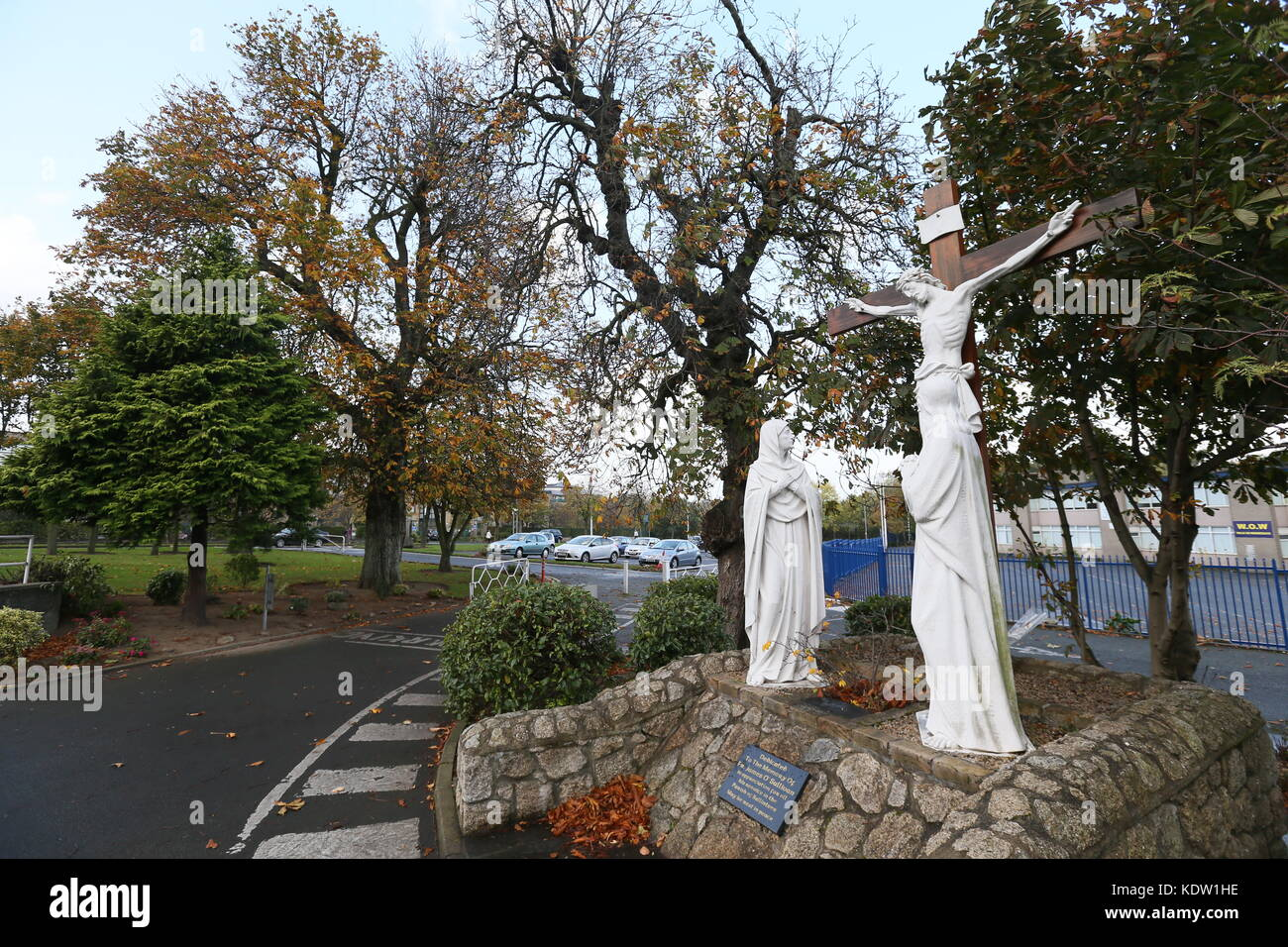 Dublin, Ireland. 16th Oct, 2017. A view of a statue of Jesus Christ in Ballinteer in South Dublin during the build - Stock Image