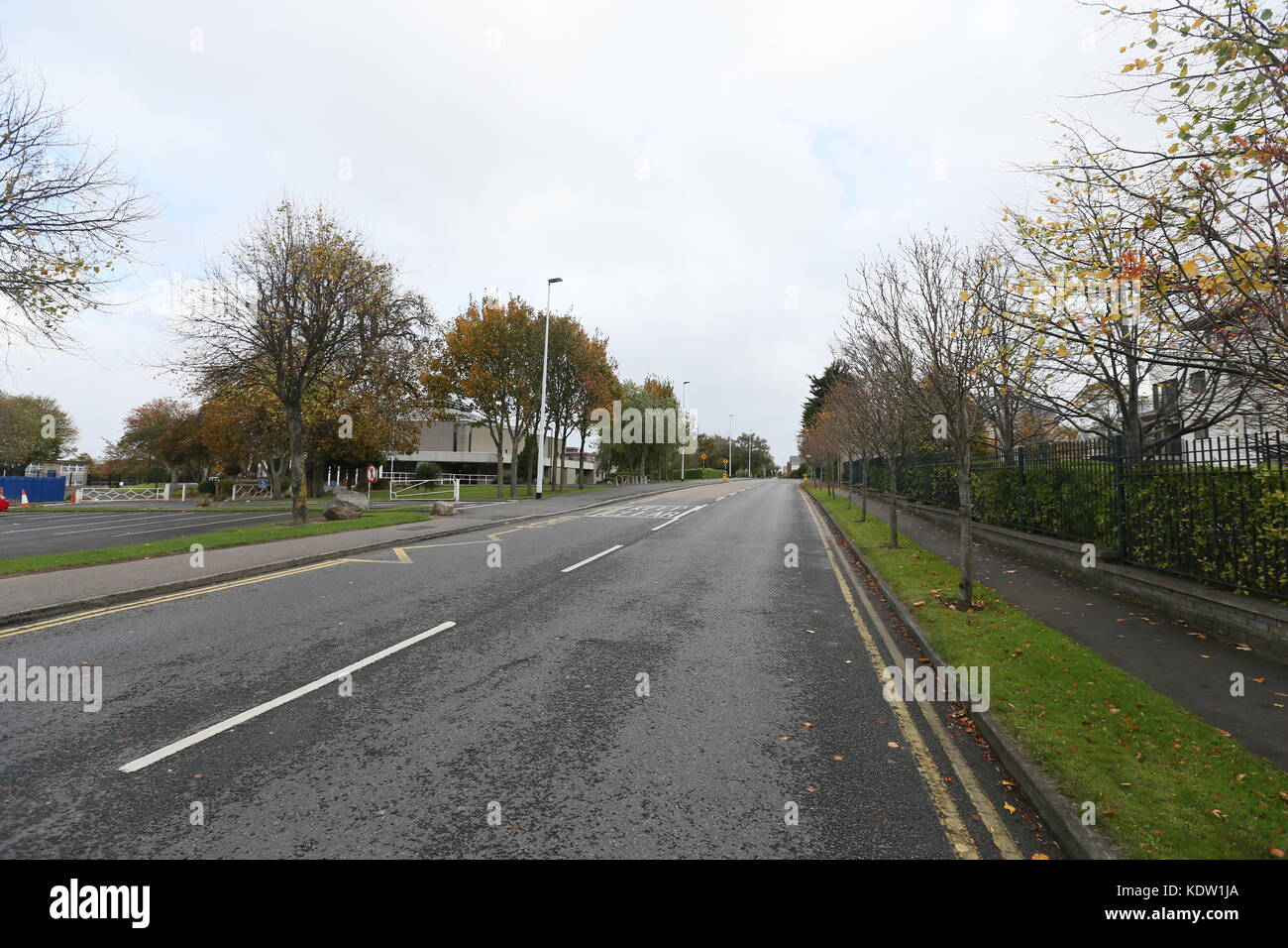 Dublin, Ireland. 16th Oct, 2017. An empty street scene in South Dublin during the build up to Ophelia.Image from - Stock Image