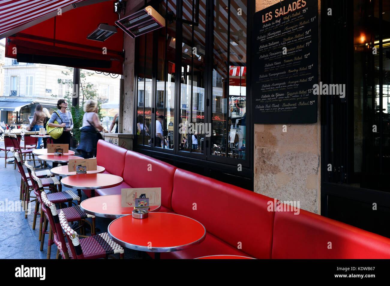 Café, brasserie, Montmartre, Paris - France - Stock Image