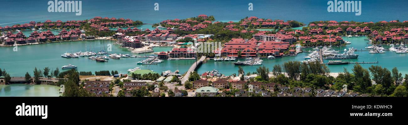 The Seychelles, Mahe, Victoria, Eden Island, luxury residences and marinas on reclaimed land - Stock Image