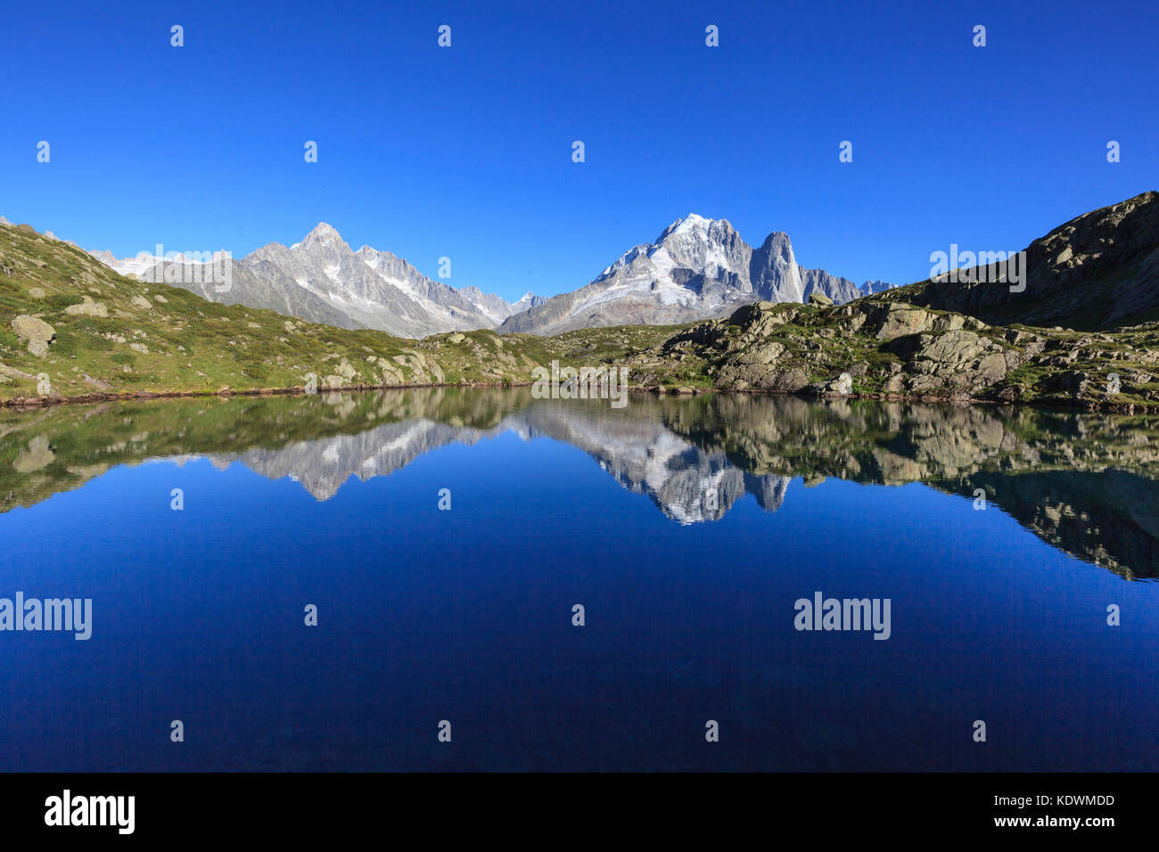 Lac Chesery. Monte Bianco  Haute Savoie Aiguille Verte France - Stock Image
