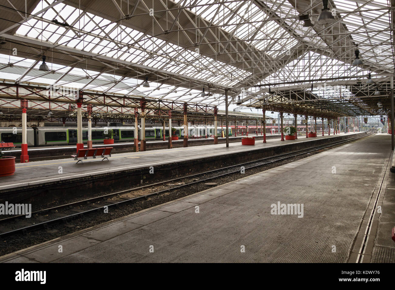 Crewe railway station, Cheshire, UK. First opened in 1837. - Stock Image