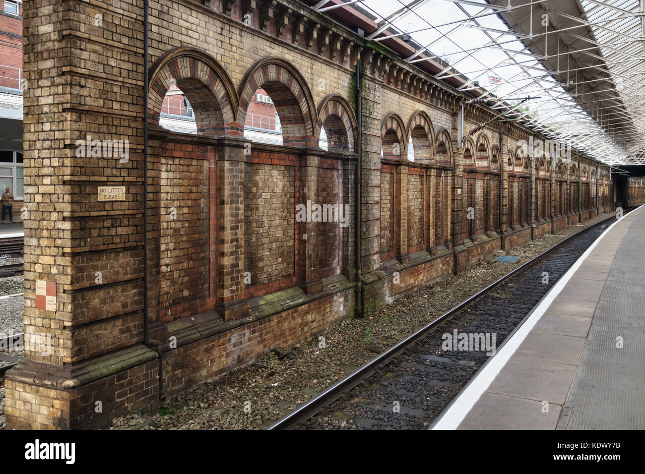 Crewe railway station, Cheshire, UK. First opened in 1837. Platform 12 dates from the early 1900s - Stock Image